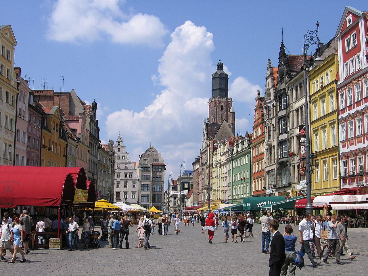 1280px-Wroclaw-Rynek-7.2005